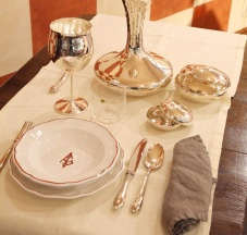 Servizio in ceramica dipinta a mano