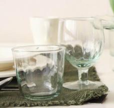 Bicchieri da acqua e vino in vetro riciclato e soffiato