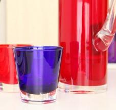 Bicchieri in vetro colorato